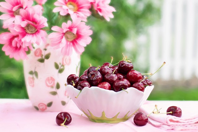cherries-in-a-bowl-773021_640