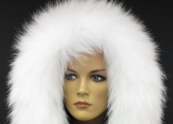 Kožešinový lem na kapuci udělá z vaší bundy elegantní kousek  5fd0a87c7c